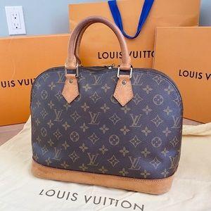 ✨ALMA✨ Authentic Louis Vuitton Hand Bag!